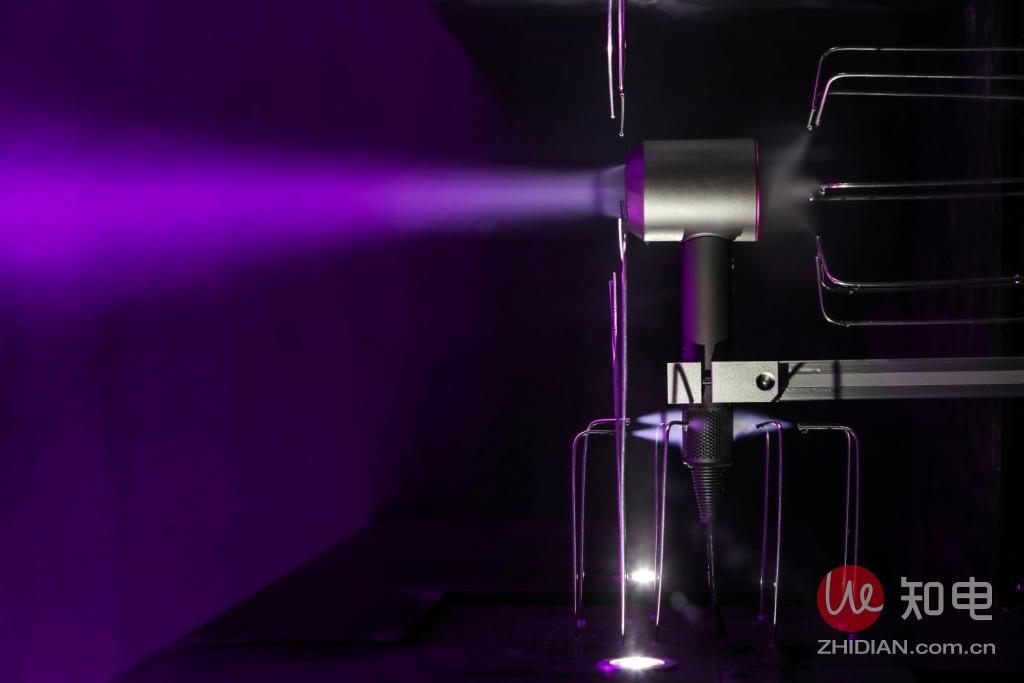 戴森Dyson Supersonic™吹风机气流演示.jpg