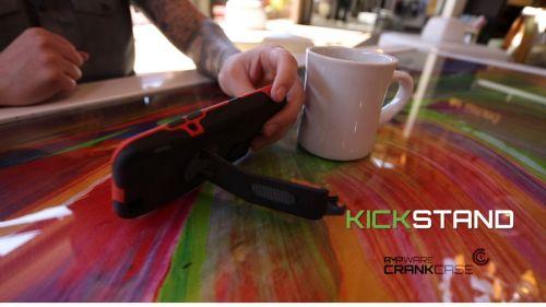 20150408144242-Kickstand_green_2