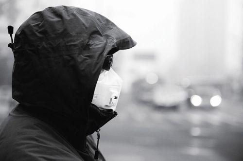雾霾天戴口罩-1