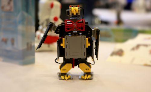儿童机器人