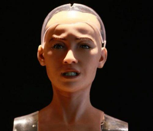 索菲亚面部表情