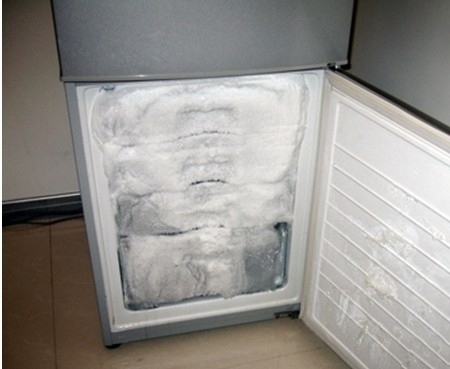 结霜的冰箱