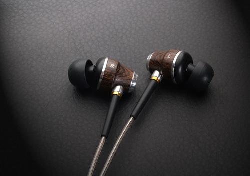 入耳式耳机7