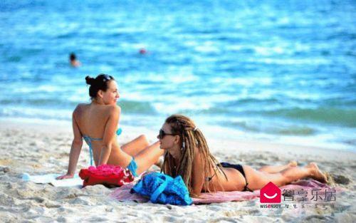 阳光沙滩美女
